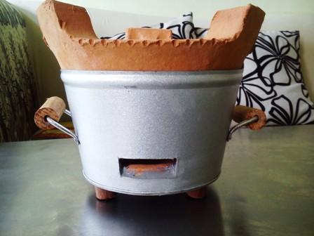 Thiết kế bếp than truyền thống không tiết kiệm nhiệt lượng.